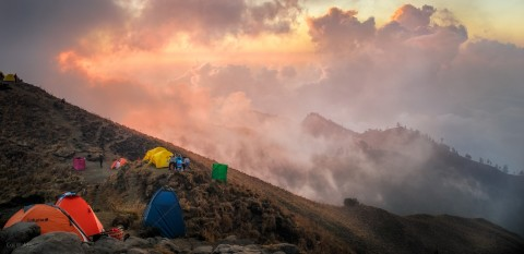 Rinjani boiling clouds